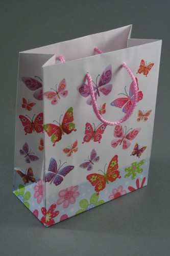 Butterfly Print Giftbag with Pink Corded Handle. Glossy Finish. Size Approx 15cm x 11.5cm x 6cm.